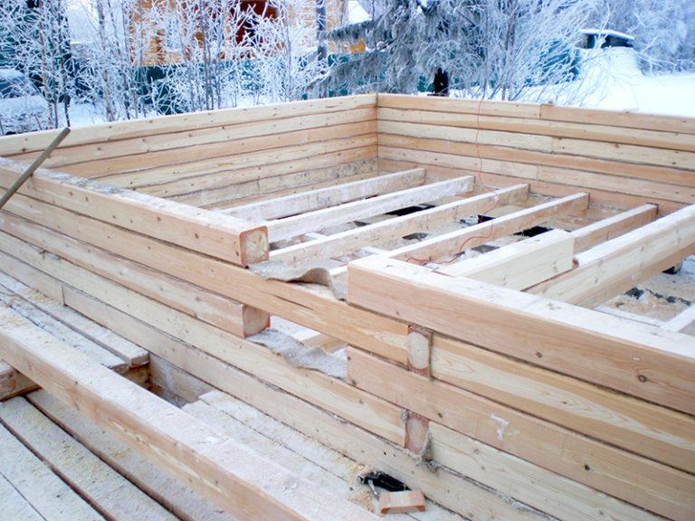 Зима - время для строительства деревянного дома